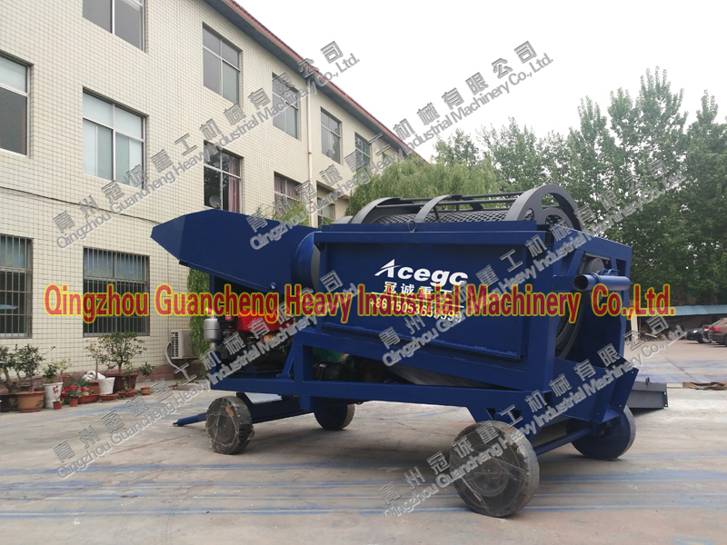 Portable trommel screen car